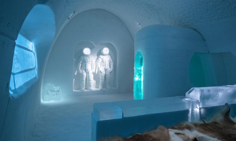 На изготовление номеров ушло 500 тонн льда. (Фото Asaf Kliger | IceHotel):