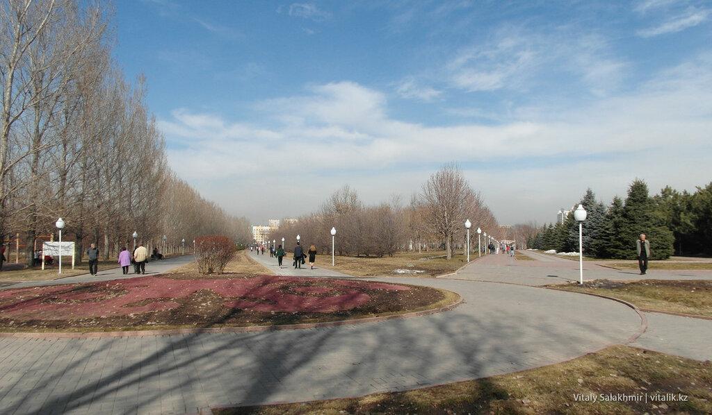 Аллеи Парка Первого Президента