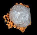 Анальцим, гмелинит. Кристалл 2,5 см