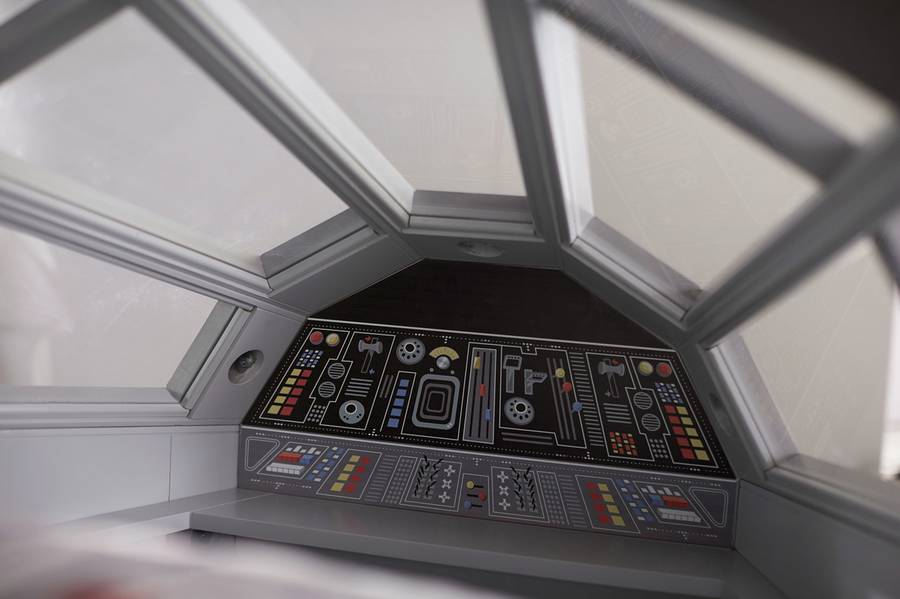 Star Wars Millenium Falcon Bed