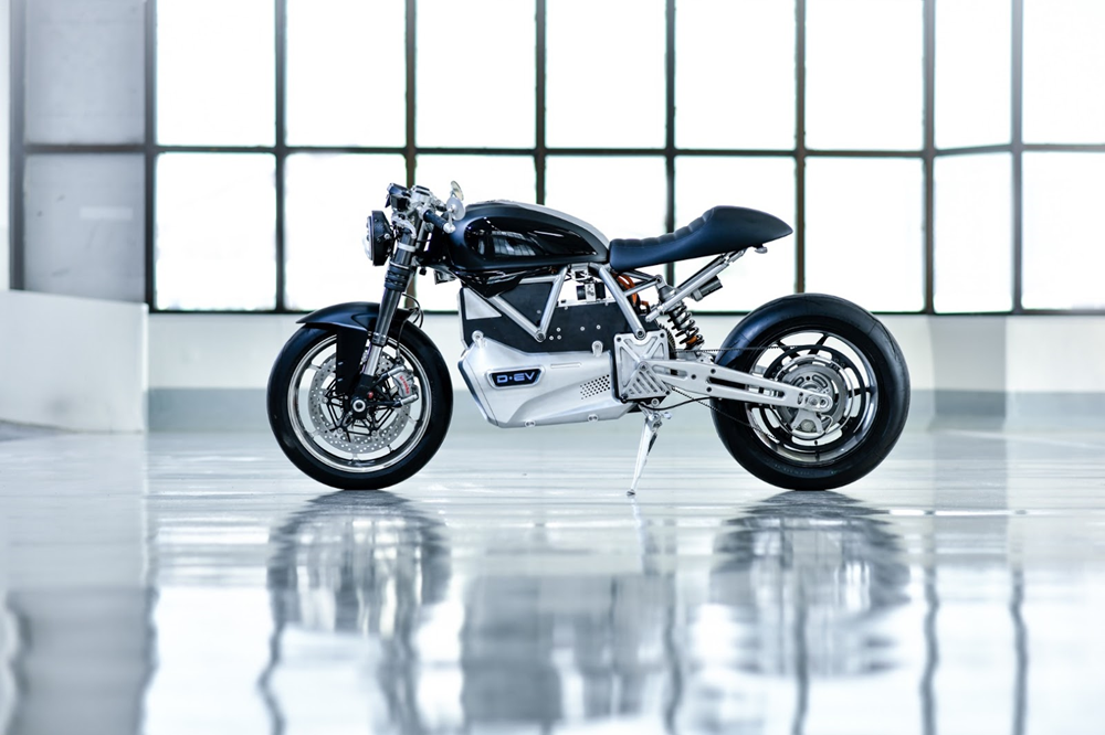 Natapichat: электрический кафе рейсер D-EV на базе Ducati Scrambler