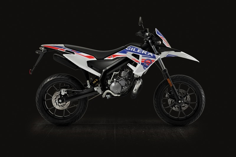 Мотоциклы Gilera SMT / RCR 2018