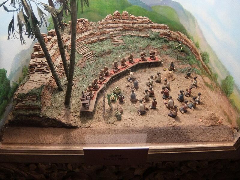 Чиангмай - Центр культуры и искусств - Угол крепостной стены