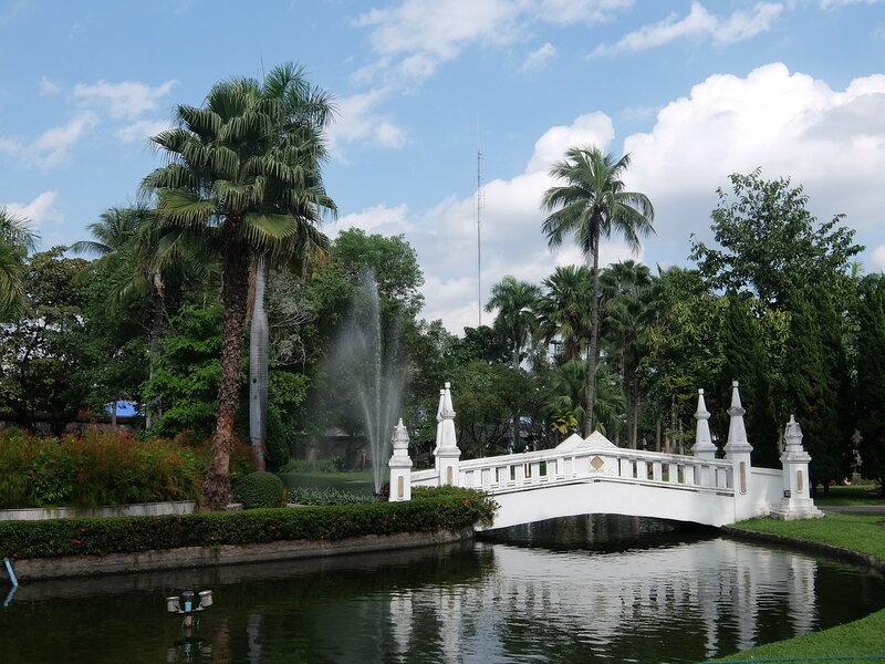Чиангмай - Мостик в парке