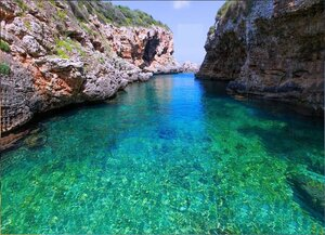 На острове Менорка в море Средиземном.jpg
