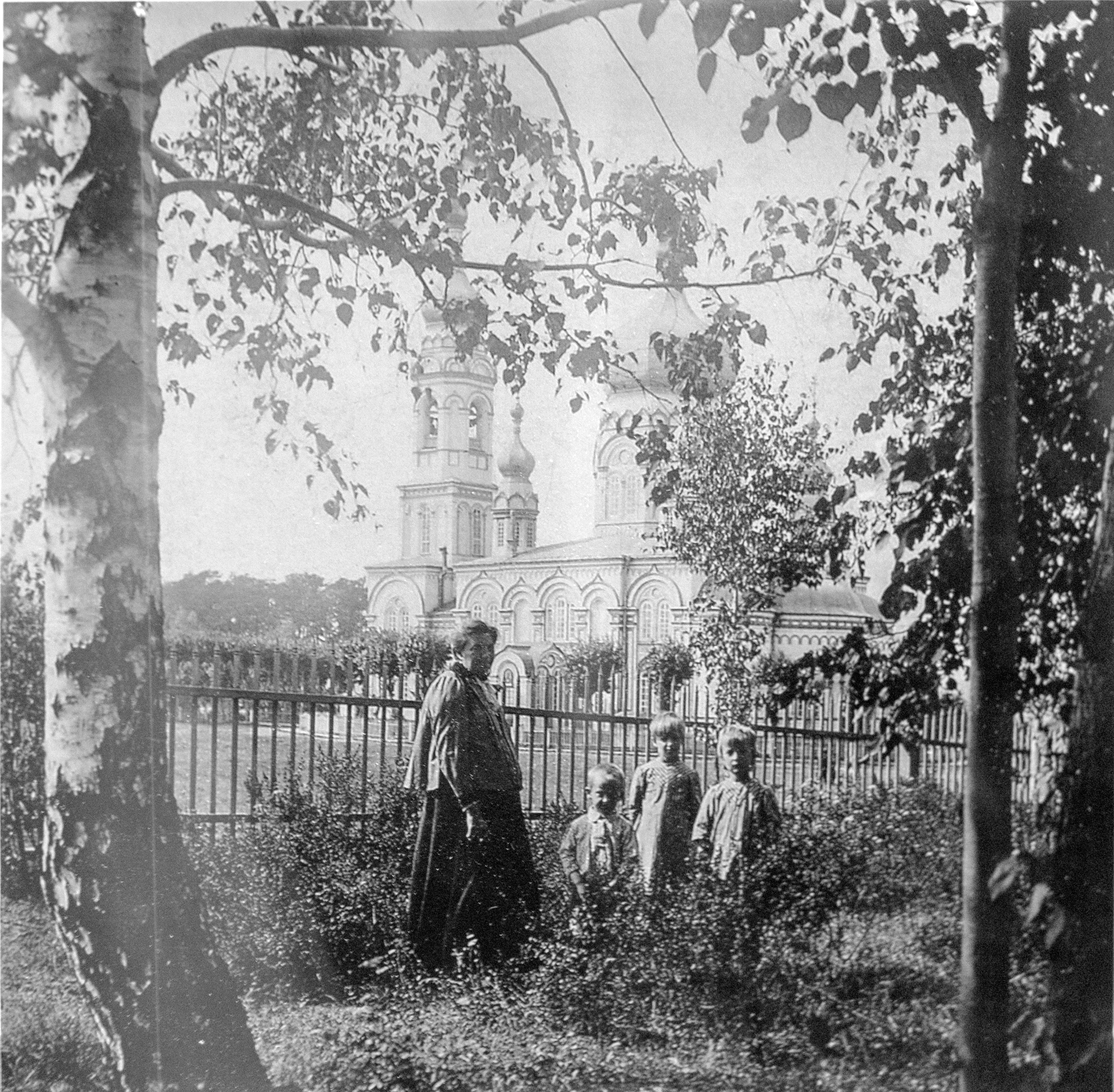 На территории Успенского Женского монастыря