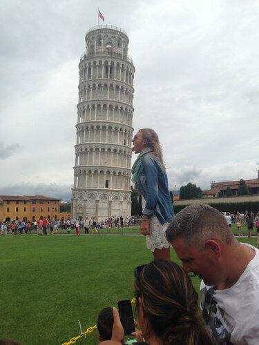 Творческие фото с Пизанской башней