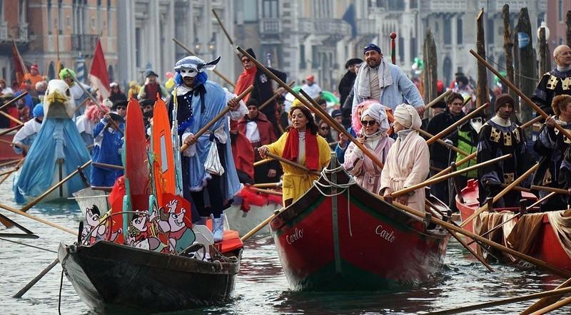 0 182c55 2c17e37d orig - Фото Венецианского карнавала