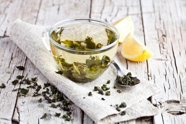 © depositphotos      Зеленый чай богат различными полезными минералами, такими как йод, м