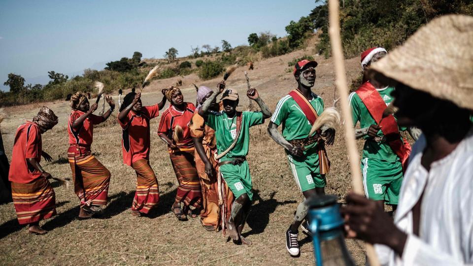 21 век: в Уганде девочкам до сих пор делают варварские операции на половых органах