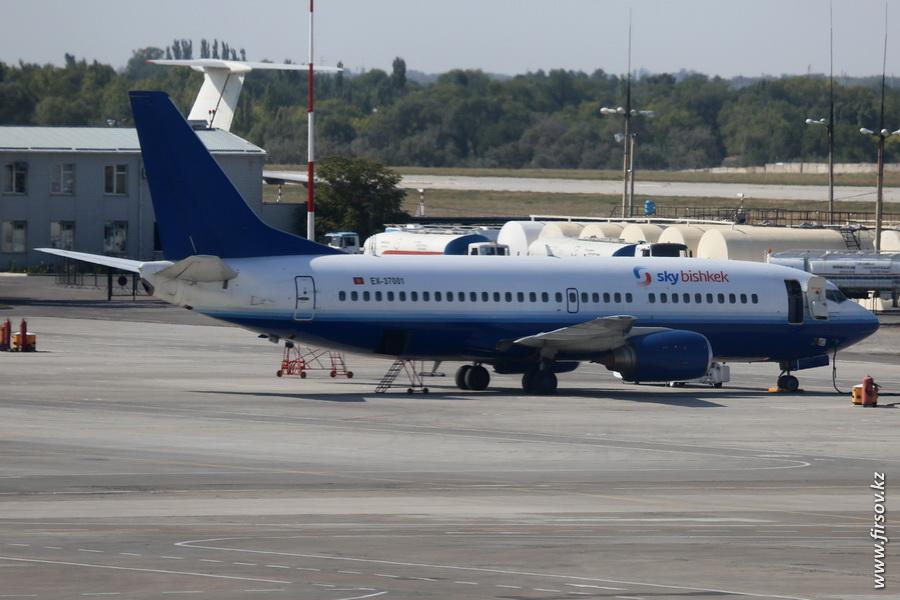 B-737_EX-37001_Sky_Bishkek_1_FRU_43D043E0432044B0439044004300437043C043504400.JPG