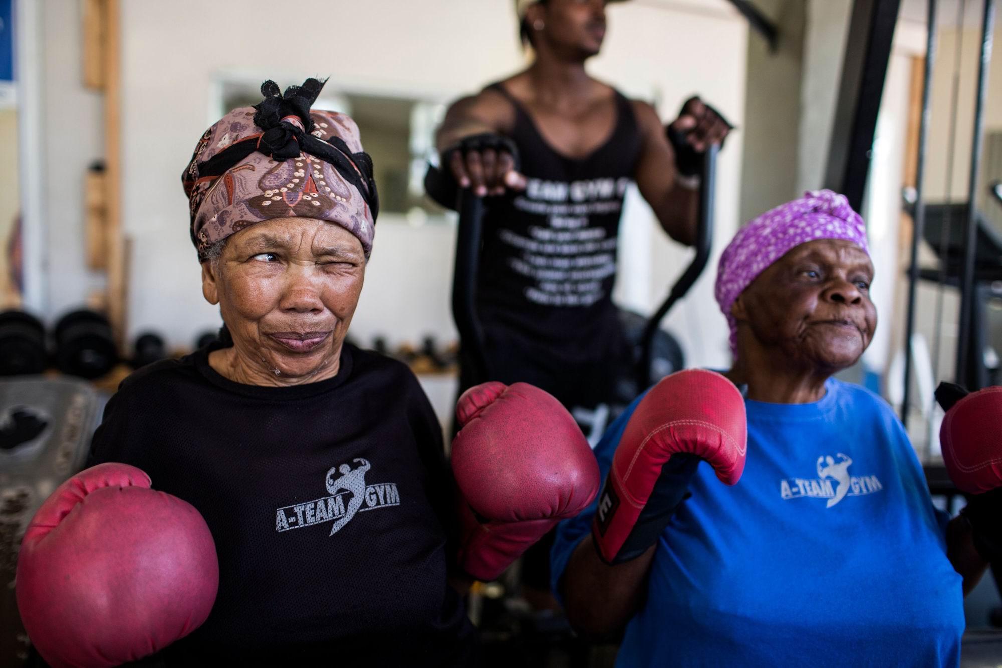 Мы - ударные бабули: Озорные южноафриканские боксерши