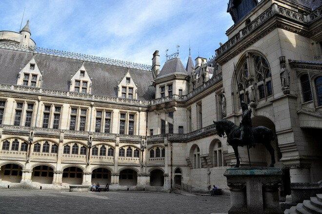 Замок Пьерфон. Франция