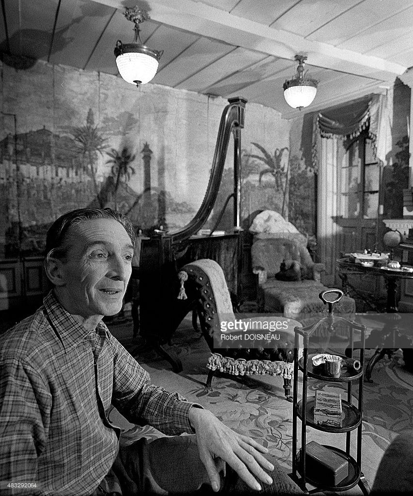 1960. Французский художник, гравёр и скульптор Жан Фотрие. Вале Окс Луп