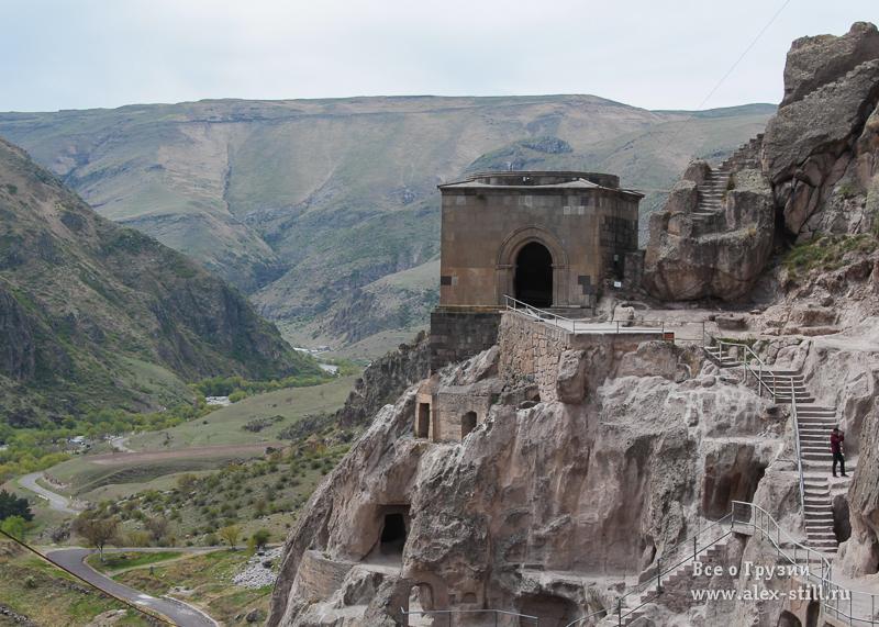 Пещерный комплекс построили много веков назад