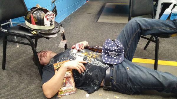 Очень пьяные люди (32 фото)