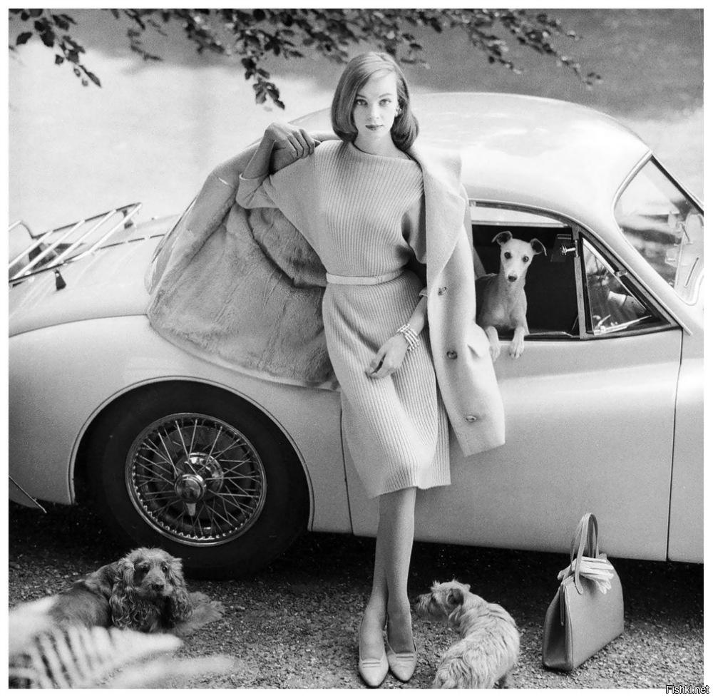 В 1955 году известный фотограф Норман Паркинсон, работавший в Vogue, поехал по служебным делам в Сто