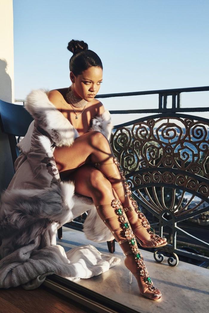 Manolo Blahnik и Рианна создали коллекцию обуви