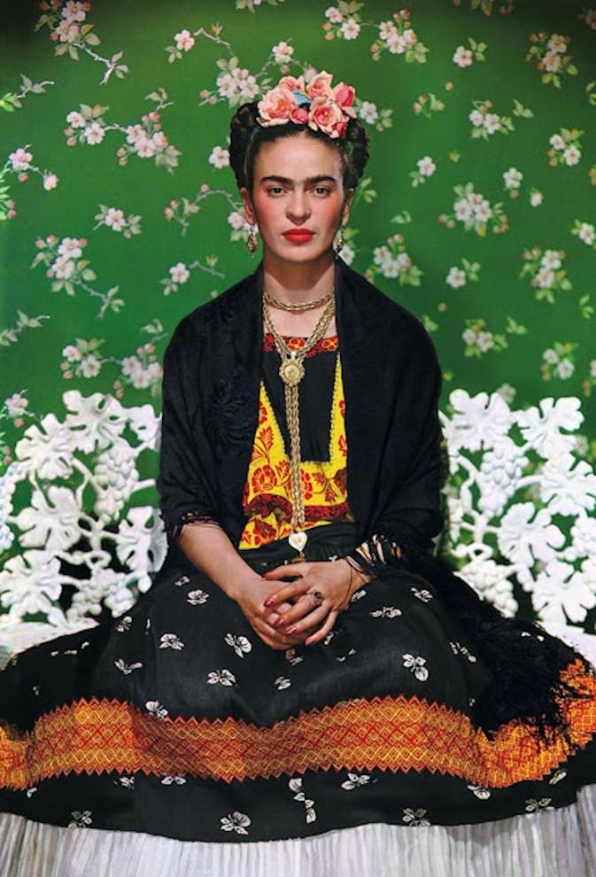 Цветные фотопортреты художницы Фриды Кало, сделанные её любовником (11 фото)