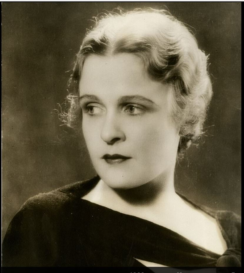 Селена Ройл, актриса радио, телевидения и кино середины 1940-х годов, рекомендовала домохозяйкам кле