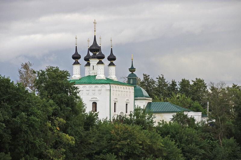 Пятницкая и Входоиерусалимская церкви