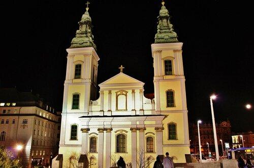 Церковь Бельварош