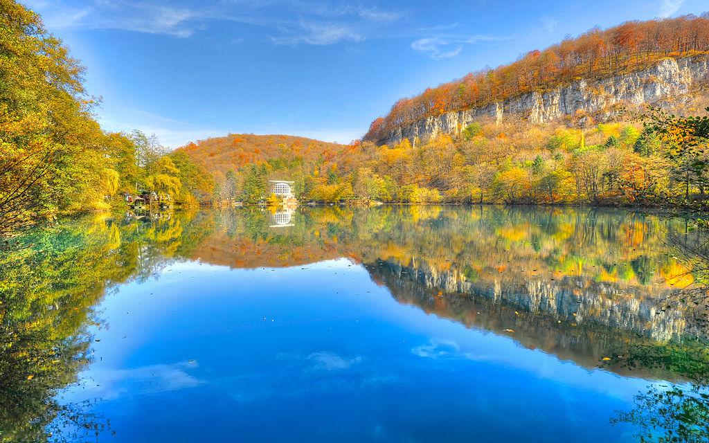 Самые жуткие озёра мира