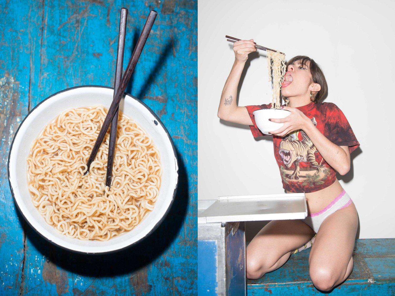 Еда и женщины / фото Emil Levy Z. Schramm