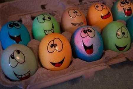 Открытки. Всемирный день яйца. Изображения на яйцах