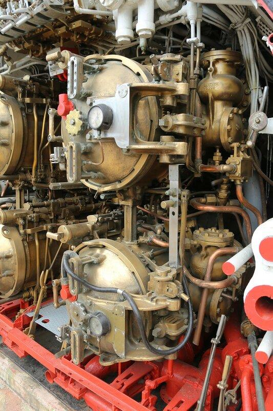 Стамбул. Музей Рахими Коча. Торпедный отсек подводной лодки TCG Çanakkale