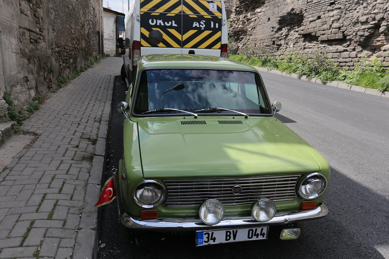 Istanbul. Fiat 124