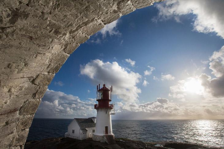 Маяк на самом юге Норвегии (27 фото)