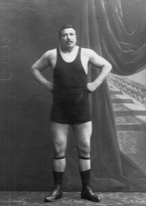 Участник чемпионата Т.Жаксон (портрет).