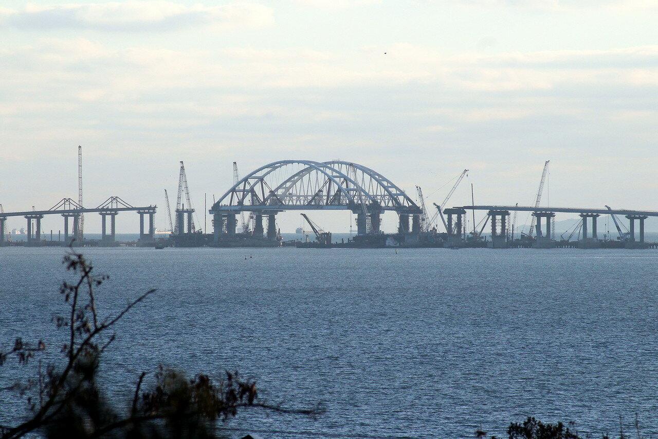 На Украине придумали новый способ остановить строительство Крымского моста