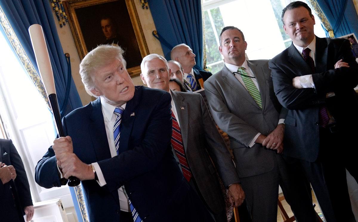 Дональд Трамп разбушевался: Разборки в Белом Доме