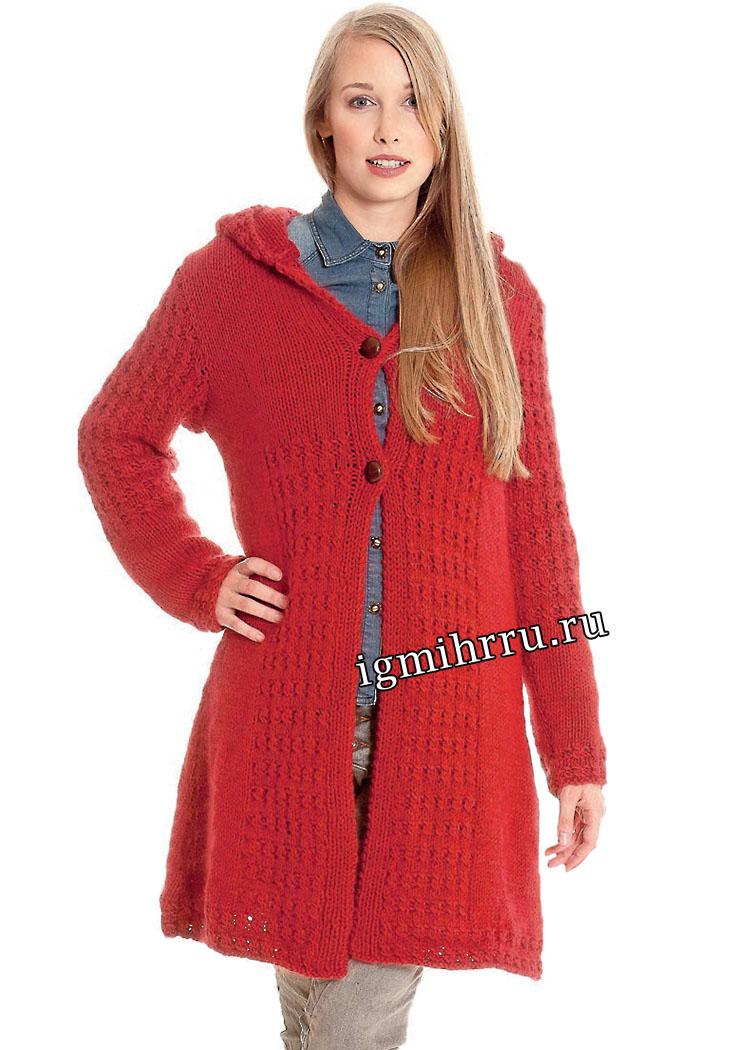 Короткое красное пальто с капюшоном. Вязание спицами