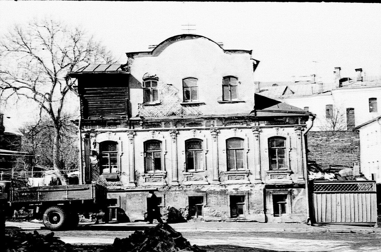 55871 Особняк в 3-м Зачатьевском переулке Евгений Матвеев нач. 60-х.jpg