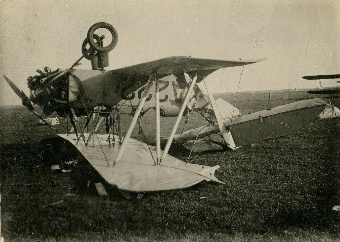 1935. Авария самолета