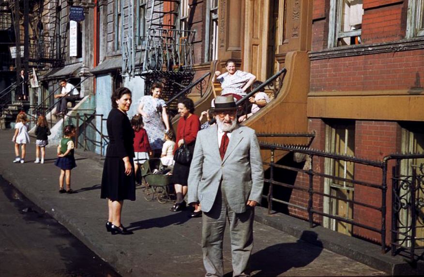 Residents-of-lower-Clinton-St-near-East-river-Saturday-afternoon-19411.jpg