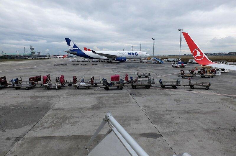 Стамбул, гостиница и вид на Босфор с самолета