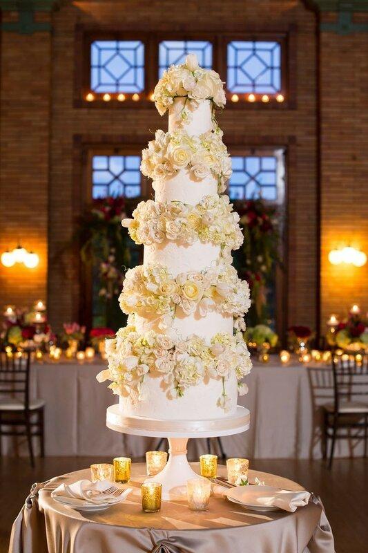 0 178317 7b521d4d XL - Аппетитные свадебные торты сезона 2017