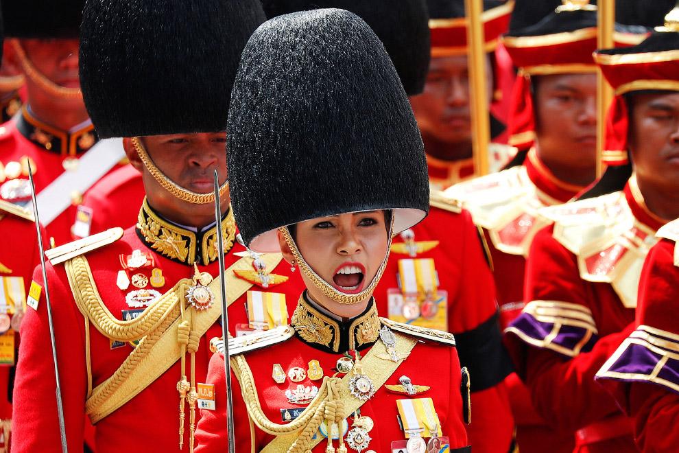 10. Поклон ушедшему королю. (Фото Damir Sagolj | Reuters):