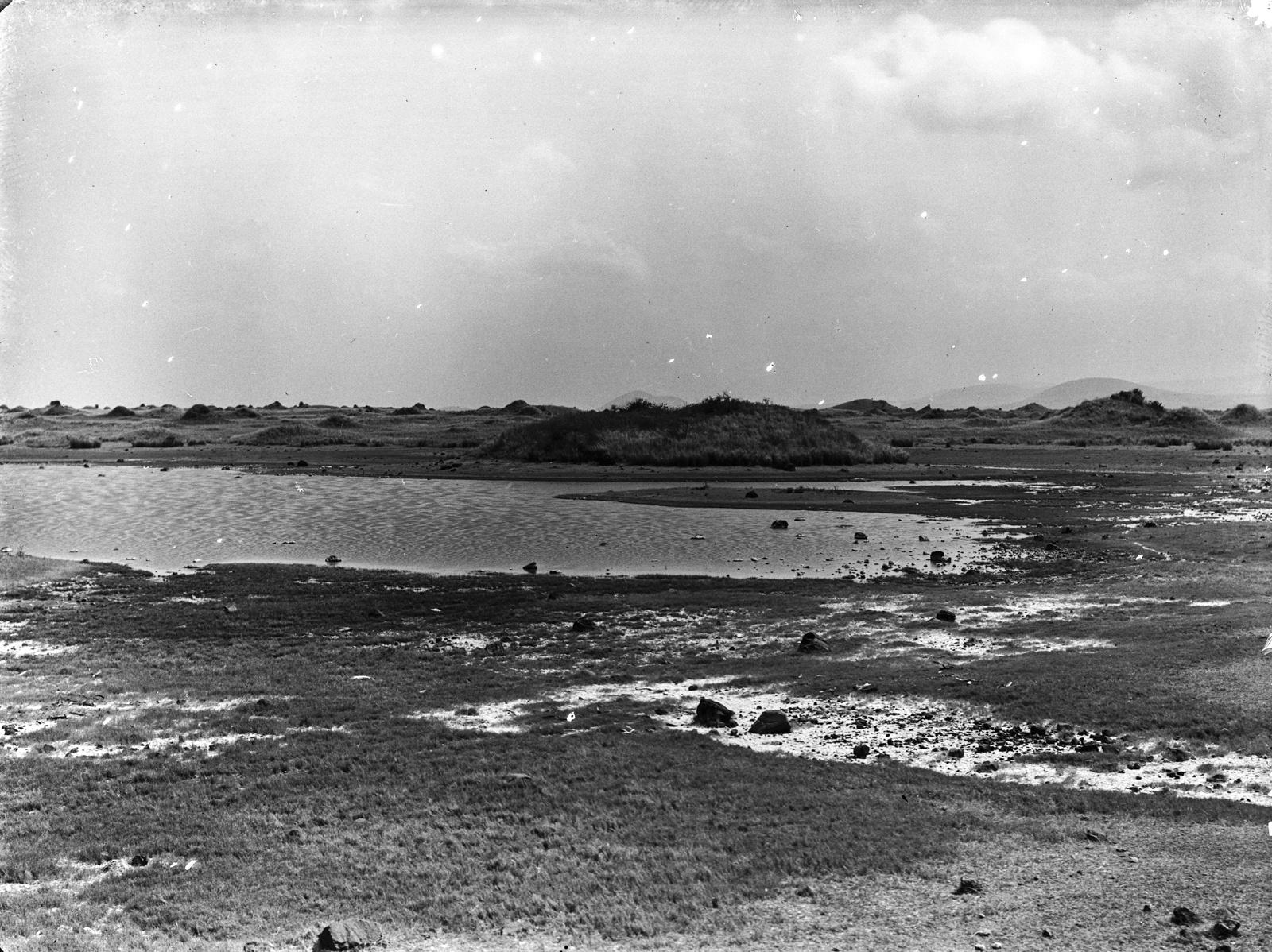 158. Соленое озеро между Килиманджаро и горой Меру