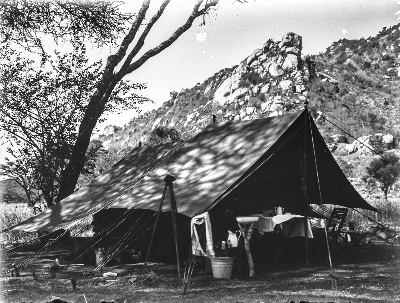172. Палатка экспедиции в Лолкисале