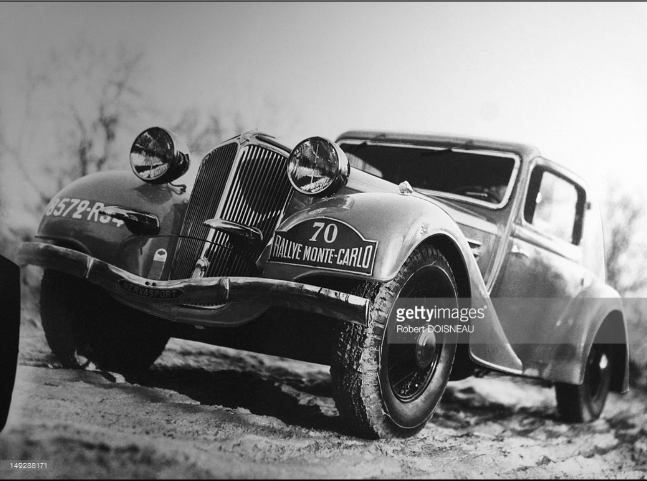 1930. Автомобиль «Рено Виваспорт» на ралли Монте-Карло