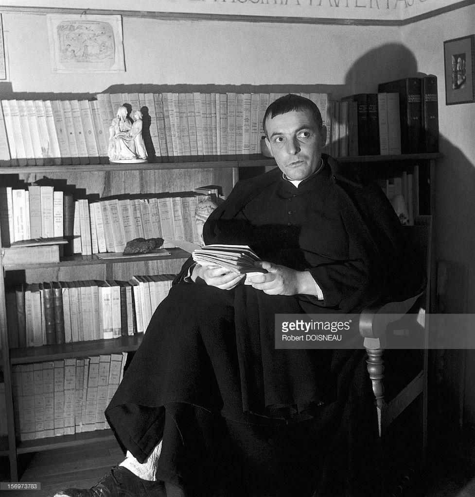 1947. Священник в Сен-Веране