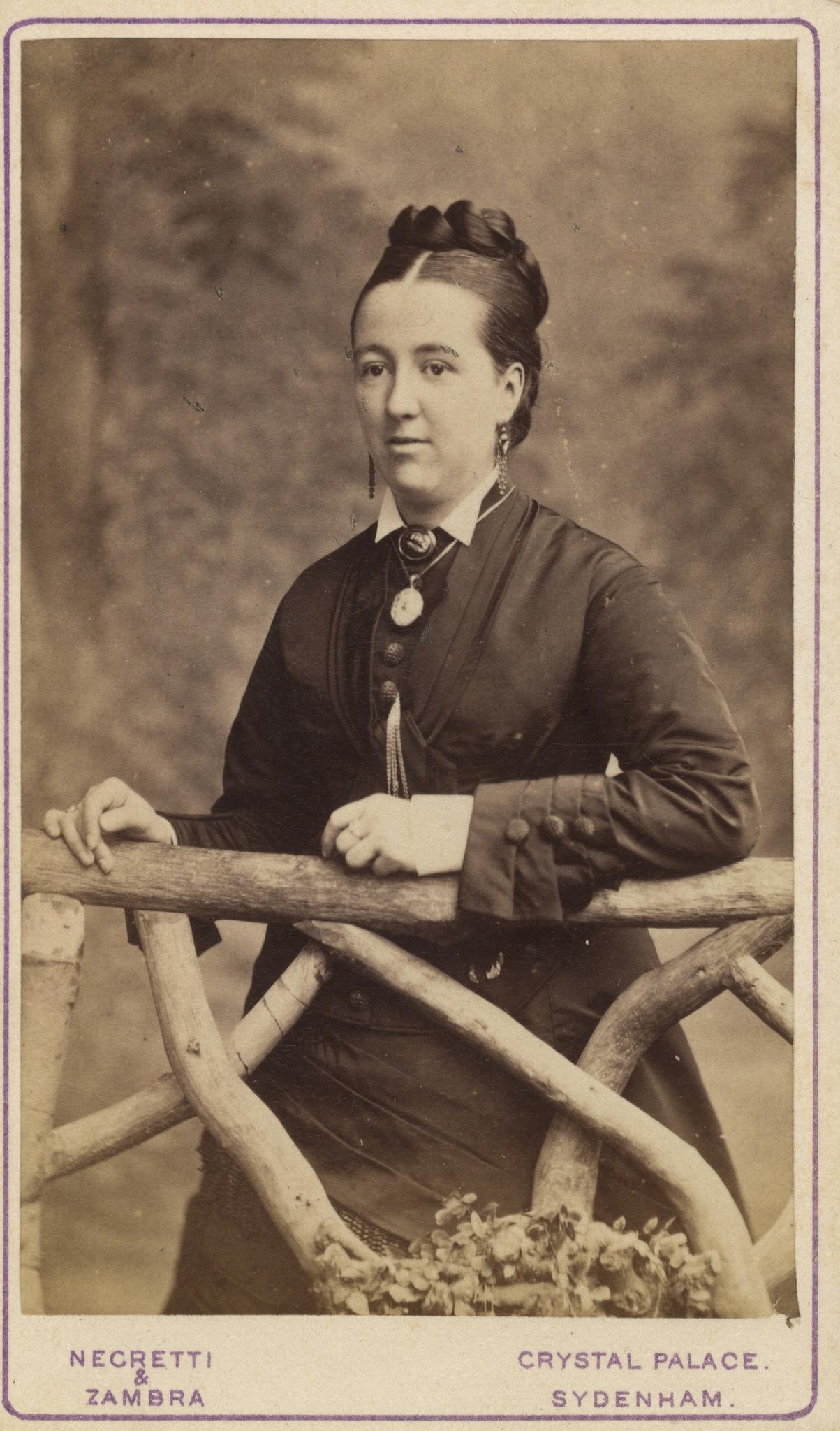 1870. Женский портрет