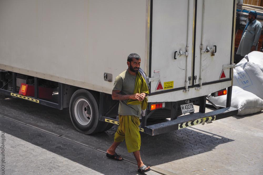 Dubai-People-(21).jpg
