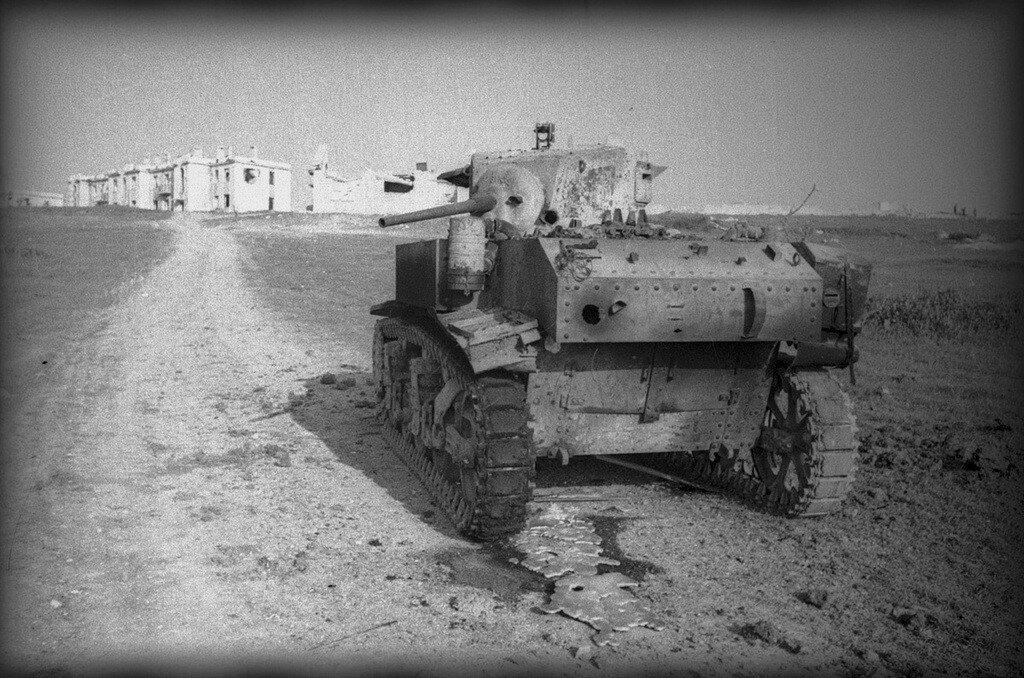 Танк М3л подбитый в р-не Севастополя. Весна 1944 года.
