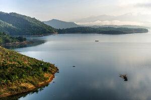 утро на озере Ham Thuan